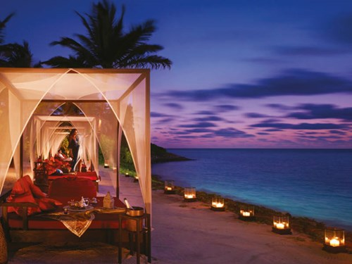 One&Only Reethi Rah Fanditha Bar at Sunset